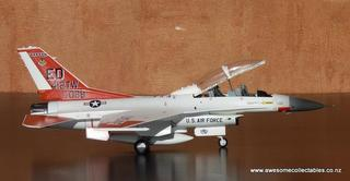 1/72 F-16D USAF Edwards Test Center