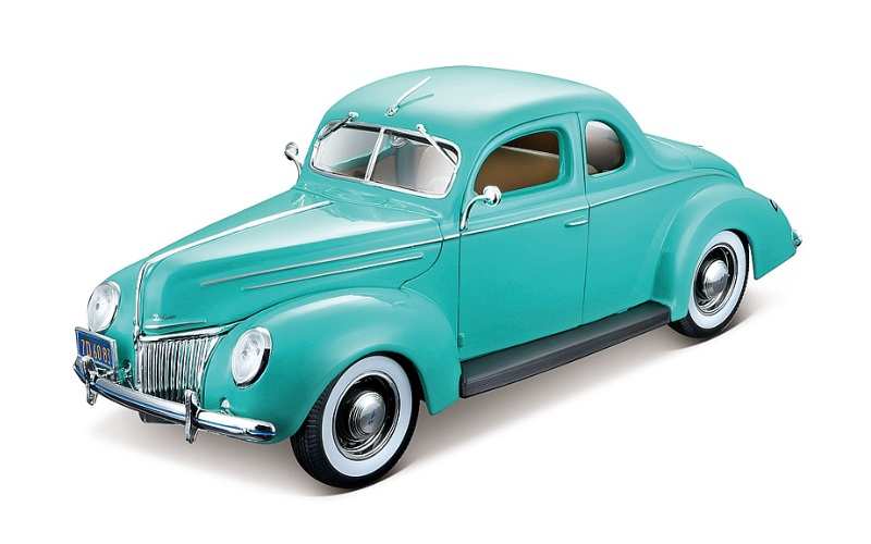 1939 Ford Deluxe Hardtop Coupe